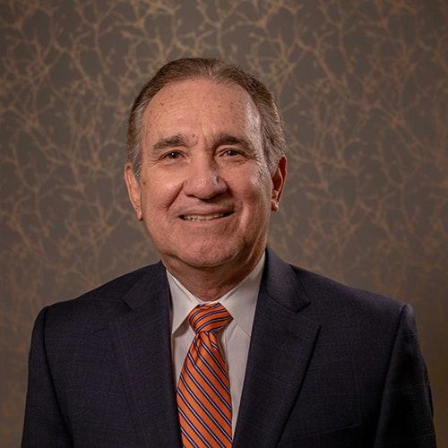 Dr. Orlando Cañizares